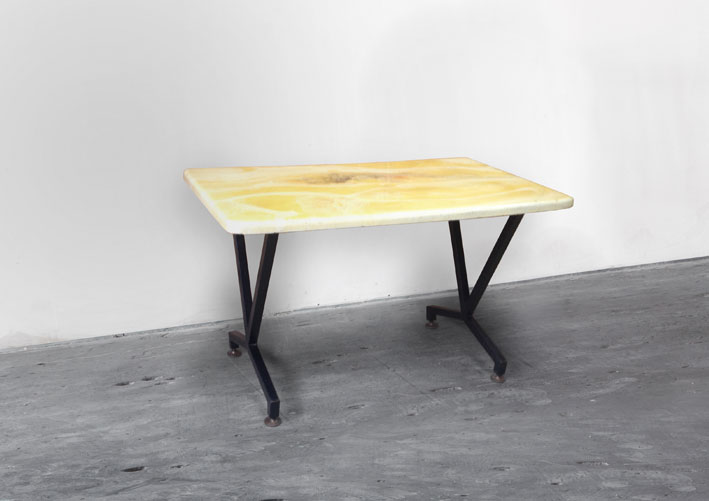 formica table